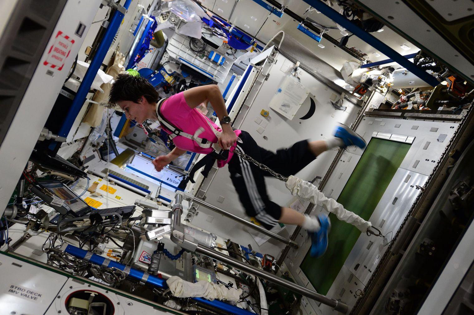 prx_iss-astronaute-sport.jpg