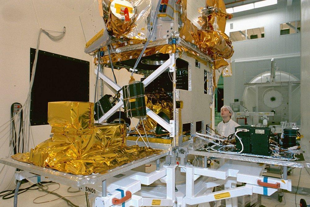 spacecraft bus - photo #17