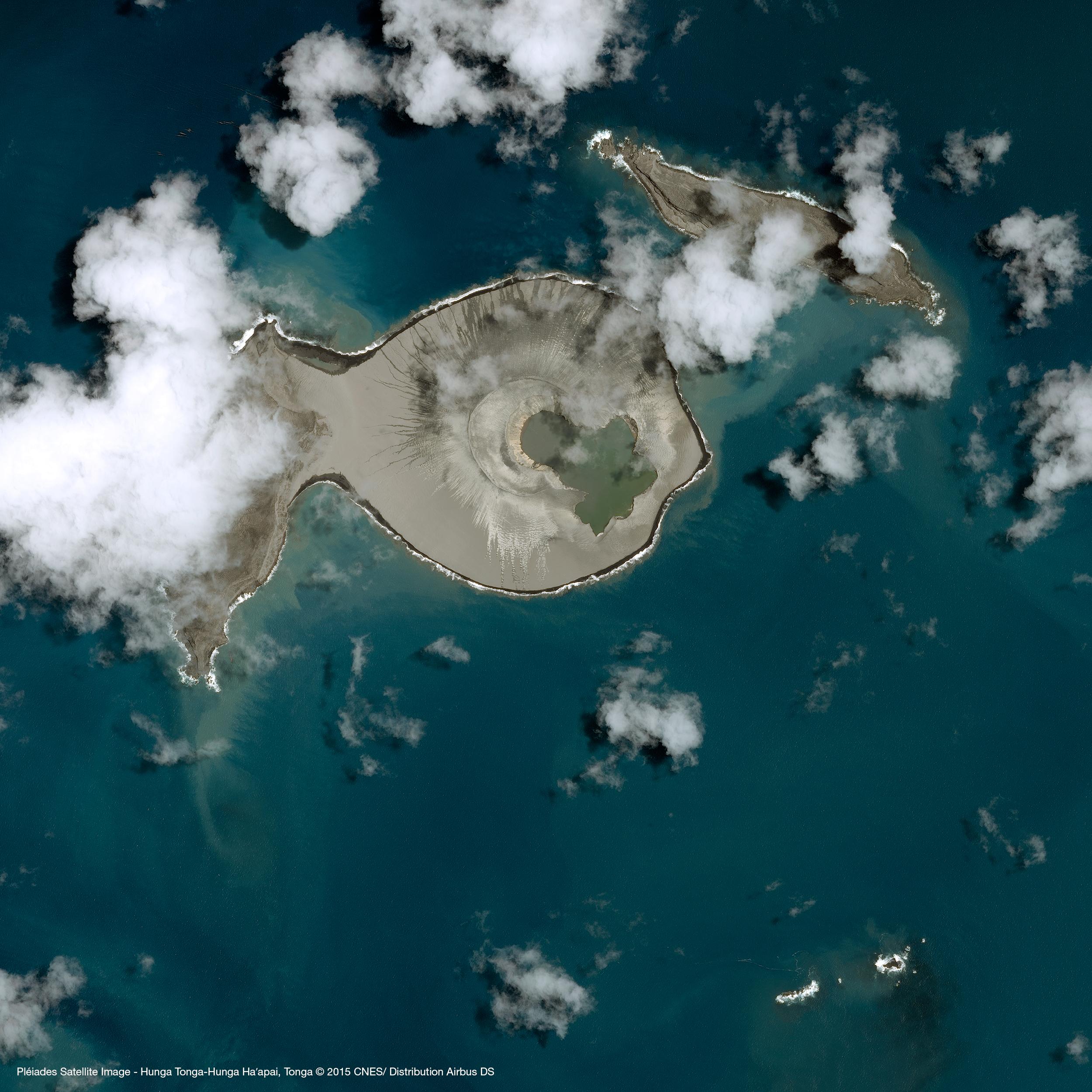 r35411_39_satellite_image_pleiades_hunga-tonga-hunga-haapai_tonga_20150119-2.jpg