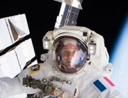 Thomas Pesquet en sortie extra-vehiculaire lors de la mission Proxima