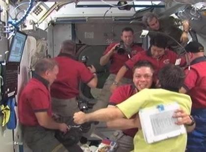 Arrivée de l'équipage STS-123 le 13 mars dernier. Credits: NASA TV