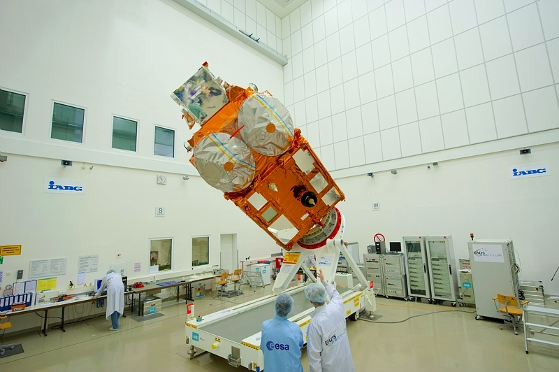Cryosat-2 at ESA's IABG test centre in Munich. Credits: ESA.