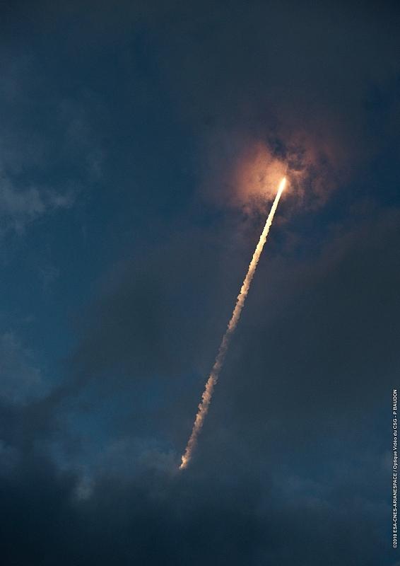 Lancement d'Ariane 5 en décembre 2010. Crédits : ESA/CNES/ARianespace/Optique vidéo du CSG