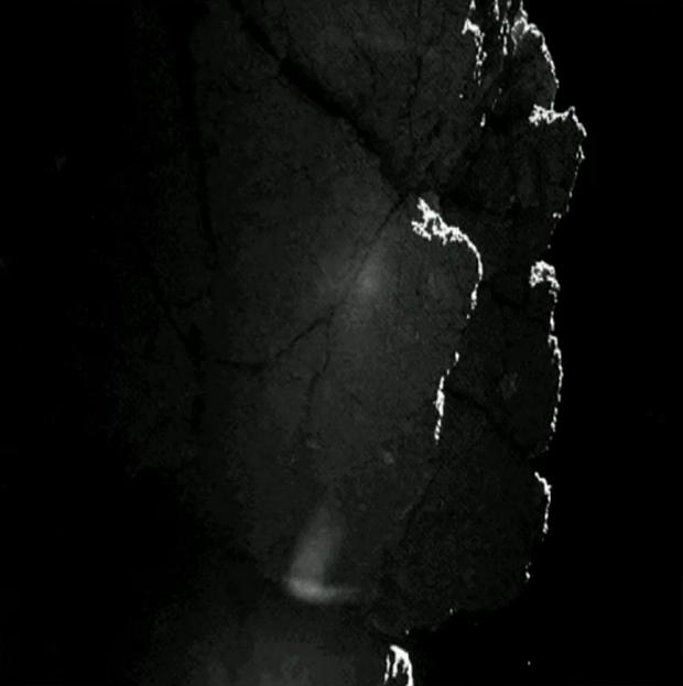 Image rapidement prétraitée provenant de la caméra 1 de CIVA ; prise le 13 novembre 2014. Le pied surexposé de Philae a été gommé au premier plan. Crédits : ESA/Rosetta/Philae/CIVA.