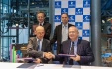 Signature Ariane 6 MT Aerospace / CNES - Fête de la Science 2016