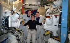 Thomas Pesquet et Shane Kimbrough se préparent pour leur sortie dans l'Espace