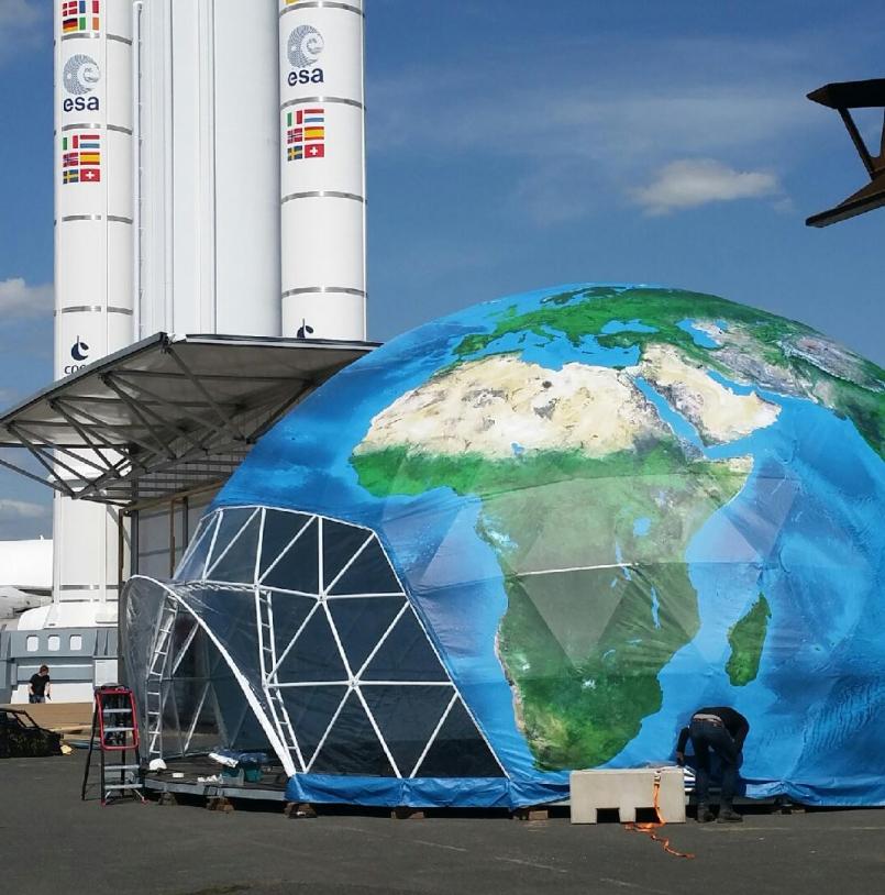 Installation du « Climatodôme » au Salon du Bourget 2015 début juin