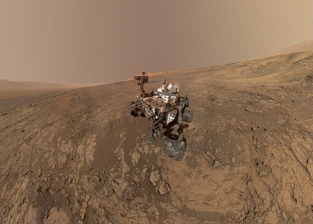 Autoportrait du rover Curiosity sur le sol de Mars