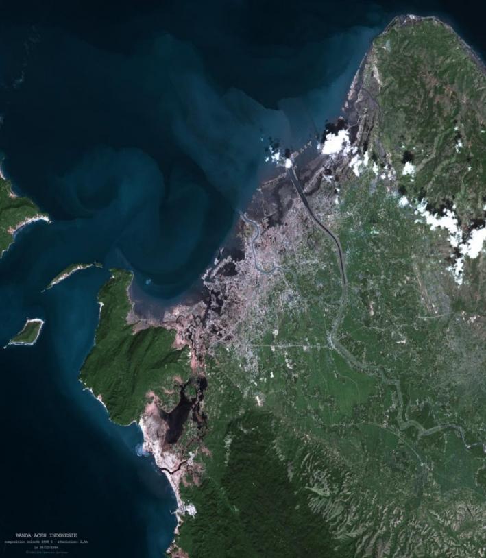 Vue Spot 5 de Banda Aceh en couleurs naturelles ; crédits Spot Image
