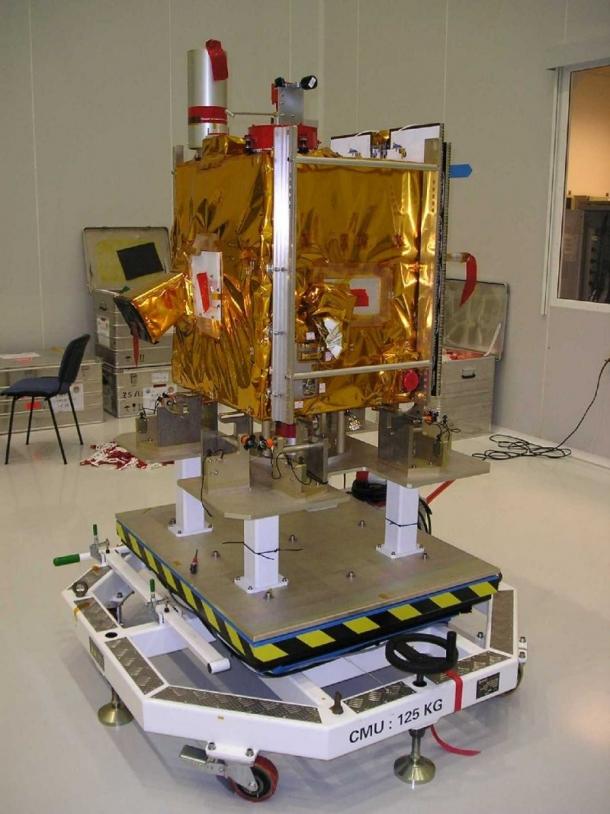 Le satellite Parasol en salle blanche ; crédits CNES/V.Dubourg