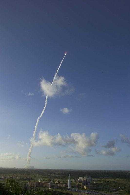 Ariane 5 ECA's lift-off. 12 February 2005. Crédits : CNES/ESA/Arianespace/S. Corvaja