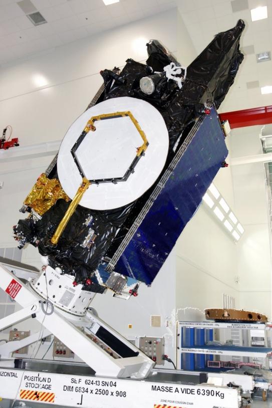 Le satellite Apstar VI ; crédits Alcatel Space