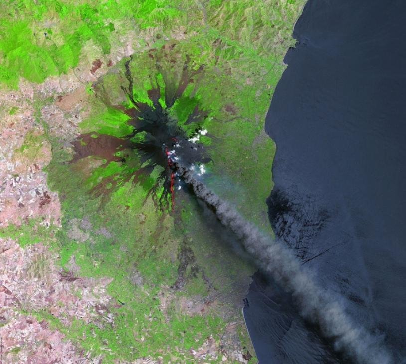 Eruption de l'Etna en 2001. Crédits : CNES/Distribution Spot Image/2001
