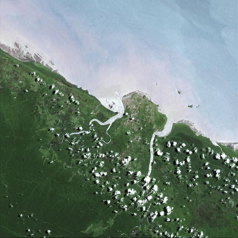 Cayenne en Guyane française, vue par Spot 5. Crédits : CNES/Distribution Spot Image/2003