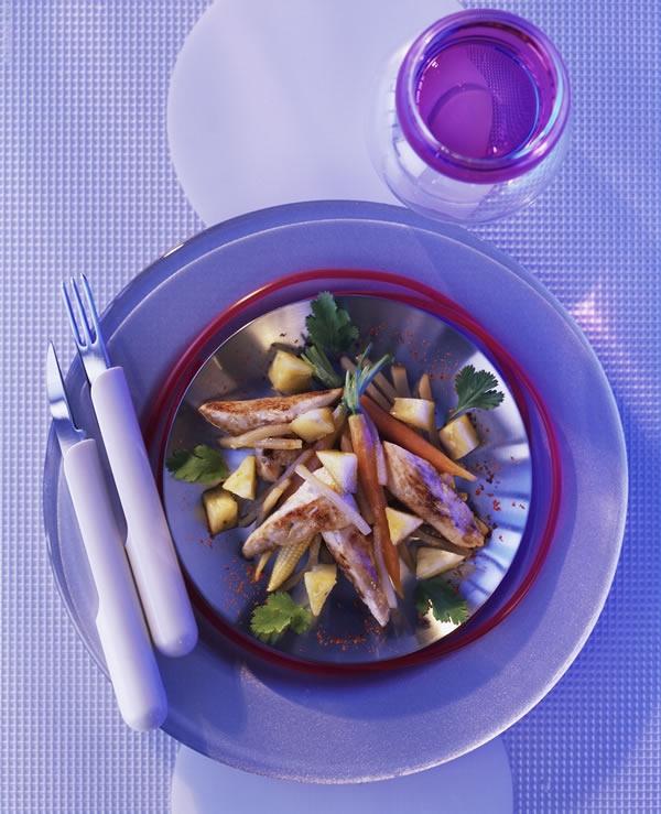 L'un des plats préparés par ADF. Volaille épicée, sauté de légumes à la Thaï. Crédits : Pierre Desgrieux