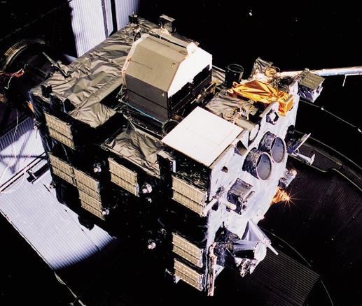 L'atterrisseur Philae, ici attaché sur l'une des faces de la sonde Rosetta. Philae devra se poser délicatement à la surface de la comète en 2014. Crédits : ESA/A. Van der Geest