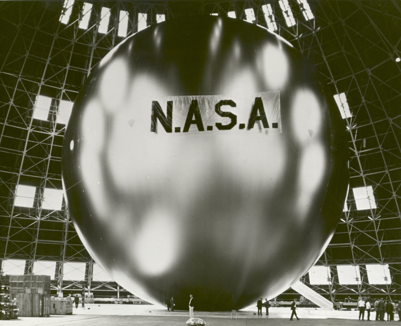 A U.S. ECHO balloon being inflated in the 1960s. Credits : NASA