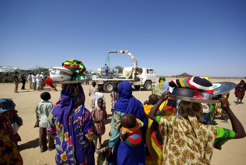 Emergesat arrives at the Gaga refugee camp. Crédits : CNES/Ph. Collot
