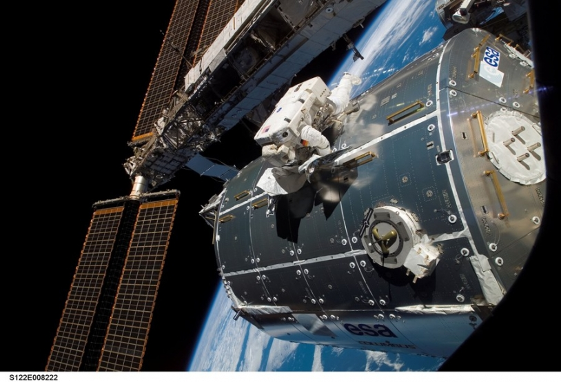 Columbus is attached to the ISS on Monday 11 February. Crédits : NASA.