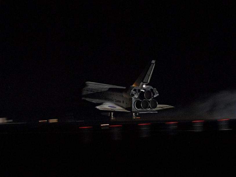 Atterrissage d'Endeavour. Crédits : NASA