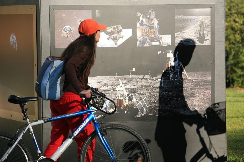 Visiteurs au Toulouse Space Show. Crédits : Cnes/Benjamin Guindre, 2008