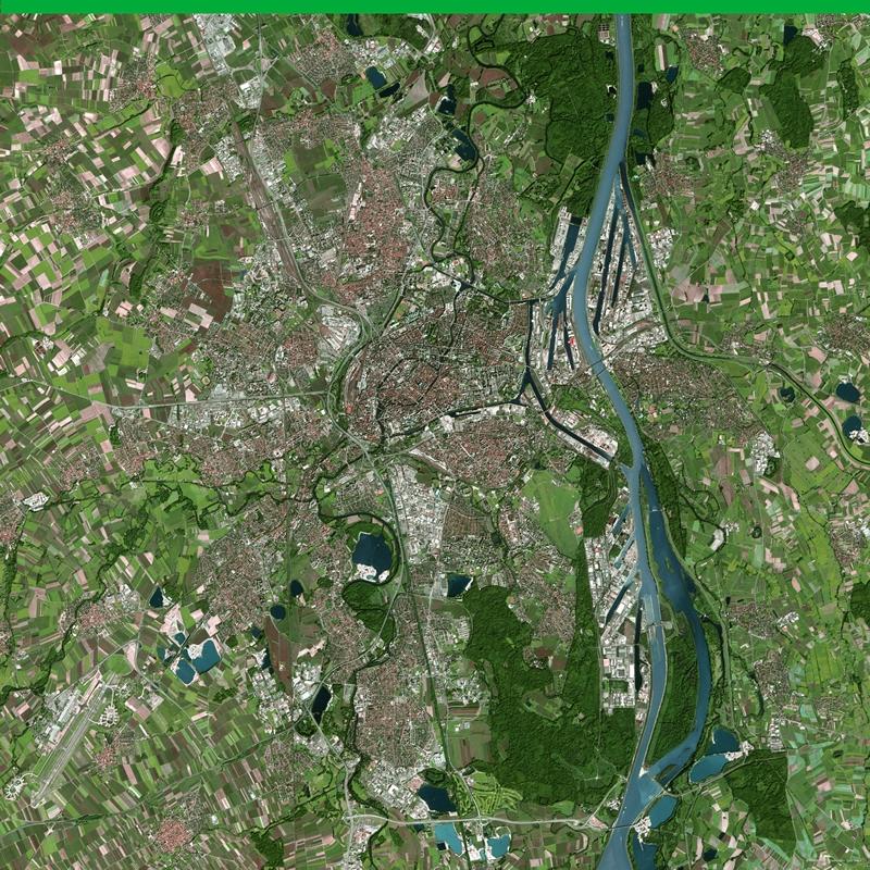 La ville de Strasbourg vue par Spot 5. Crédits : CNES/Dist. Spot Image