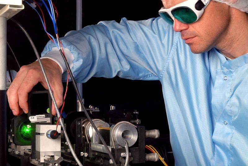 T2L2 laser. Credits: CNES/ Grimault Emmanuel