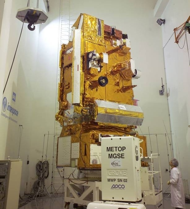 Le satellite MetOp-A ; crédits Alcatel Alenia Space