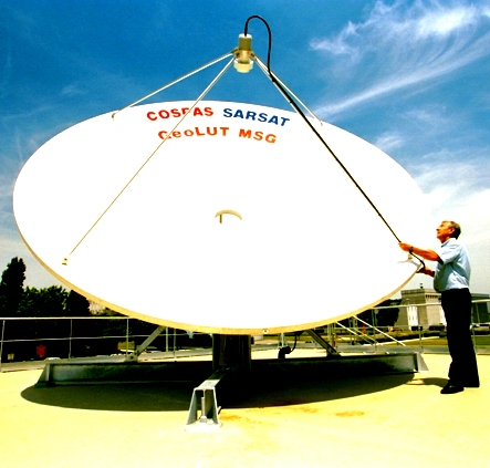 Cospas-Sarsat antenna. Credits: CNES.
