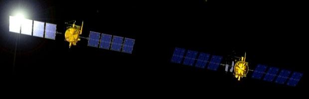 Jason-1 et Jason-2 ont volé en tandem pendant 6 mois le temps d'intercalibrer leurs instruments. Crédits : CNES.