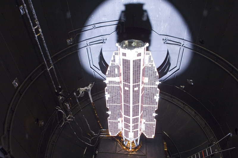 GOCE is prepared for launch in Plesetsk, Russia. Credits: ESA.
