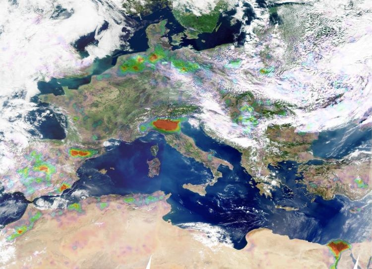 Ammonia concentrations measured by IASI over Europe in 2008. Credits: ULB/CNES/INSU-CNRS.
