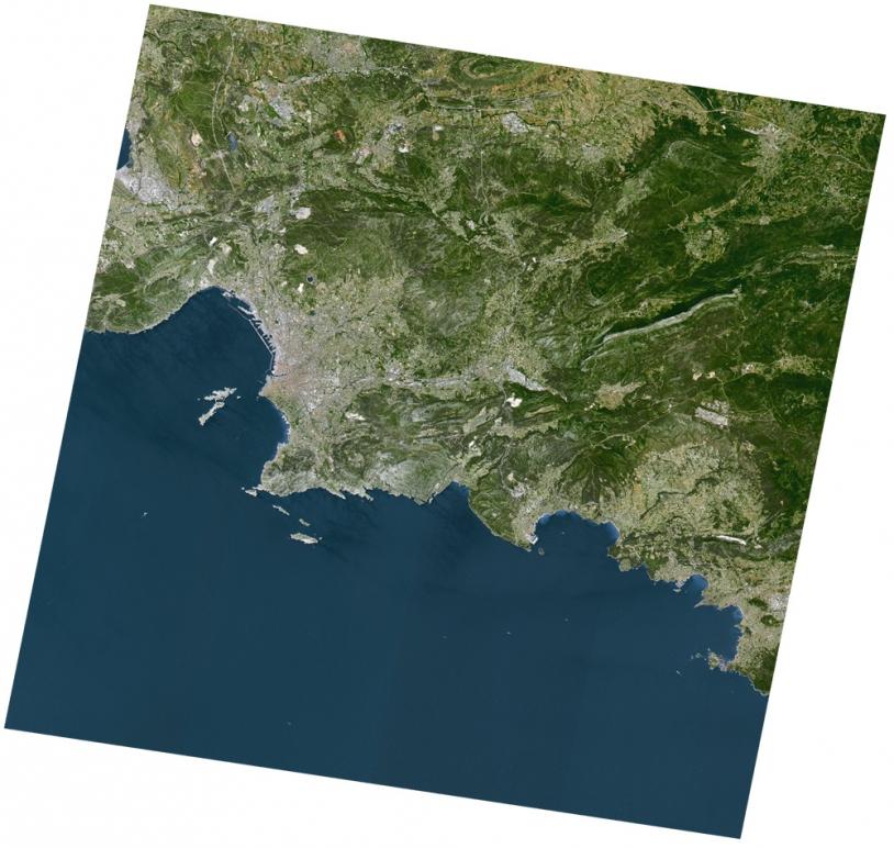 Marseille. Composition colorée en couleurs naturelles réalisée en juillet 2009. ©CNES/Spot Image
