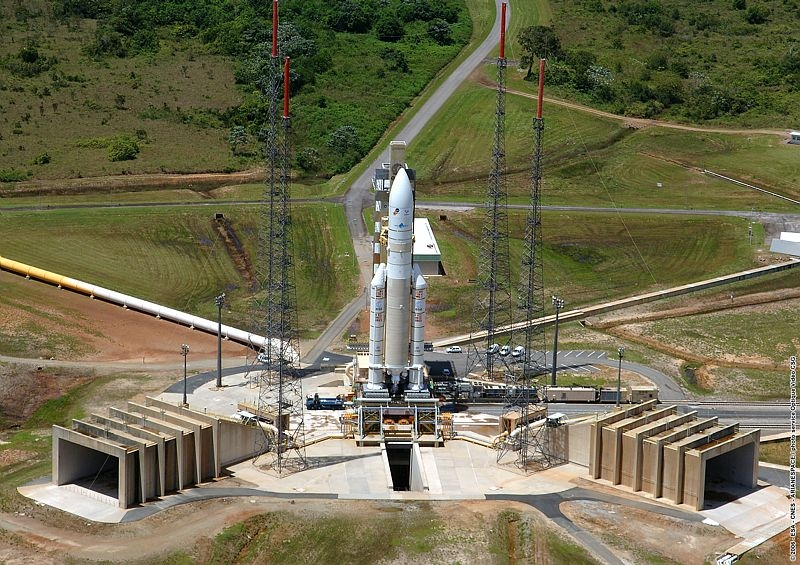 The launcher on its launch pad. Credits: CNES/Esa/Arianespace/CSG Service optique