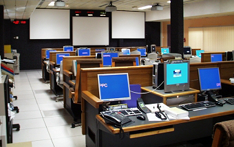 The CADMOS control room at CNES in Toulouse. Credits: CNES.