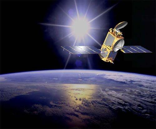 L'instrument du CNES, T2L2, se trouve à bord du satellite Jason-2, lui-même en orbite à 1336 km d'altitude. Crédits : NASA.