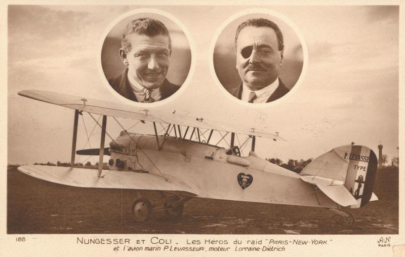 Les 2 aviateurs français, Charles Nungesser et François Coli, et leur biplan « l'Oiseau Blanc ». Crédits : Association La recherche de l'Oiseau Blanc.
