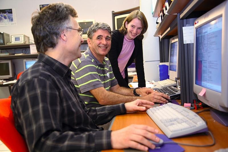 Centre d'orbitographie opérationnelle, au CNES à Toulouse, chargé de calculer les prévisions de retombée de ROSAT. Crédits : CNES/P. Jalby.