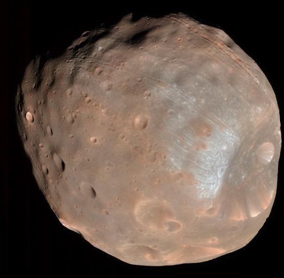 Image de Phobos prise par la sonde américaine MRO en 2008. Crédits : University of Arizona/HiRise-LPL.