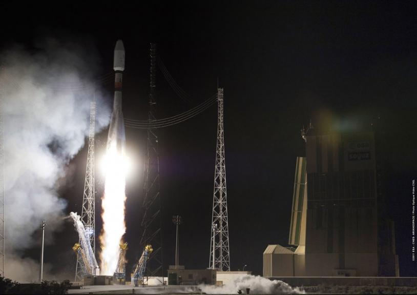 Lancement du 1er satellite, Pléiades-1A, le 17 décembre 2011, à bord d'une fusée Soyouz. Crédits : CNES/ESA/Arianespace/Optique vidéo du CSG.