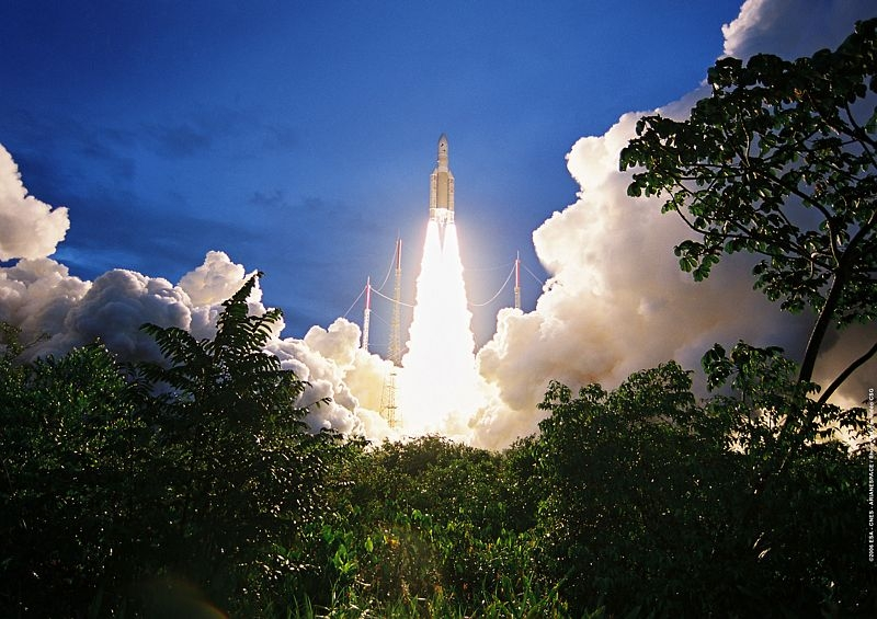 Ariane 5 ECA lift-off. Credits: CNES/Esa/Arianespace/CSG Service optique, 2006