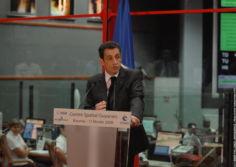 Discours de Nicolas Sarkozy au Centre spatial guyanais. Crédits : ESA/CNES/Arianespace
