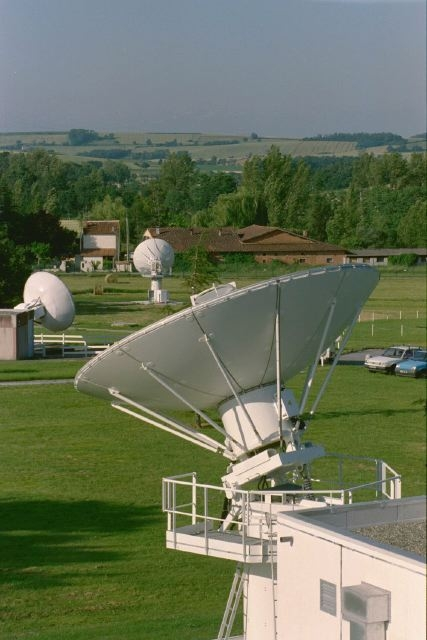Receiving station at Issus-Aussaguel, near Toulouse (France). CNES/E.GRIMAULT,2000