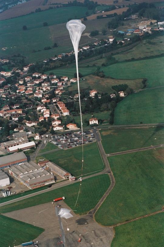 Aire-sur-l'Adour launch base. Crédits : CNES/AL.HUET,1997