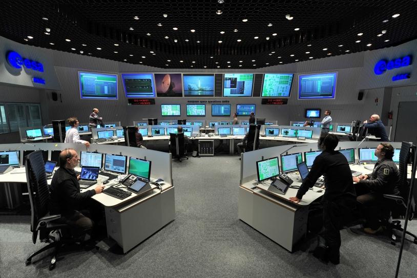 Centre de contrôle des missions de l'ESA, à Darmstadt. Crédits : ESA/J.Mai.