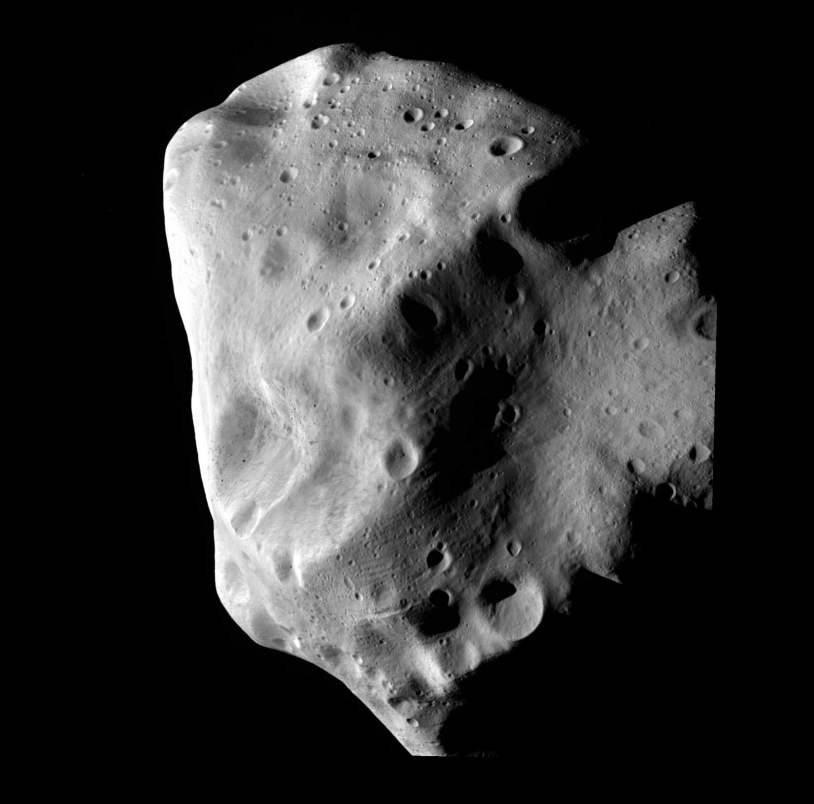 L'astéroïde Lutetia photographié par RosettaEn chemin, Rosetta a rendu visite aux astéroïde Steins, le 5 septembre 2008 et Lutetia, le 10 juillet 2010. Plus de 400 photos ont été prises. Crédits : ESA.