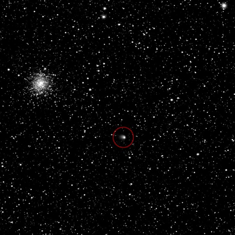 1ere photo de Chury prise par la sonde Rosetta Sur cette image, prise le 21/03/14, on aperçoit la comète Chury, à 5 millions de km, dans le cercle rouge. La photo a été prise par la caméra Osiris de Rosetta. Crédits : ESA/OSIRIS-Team.