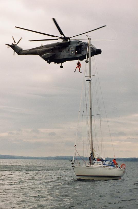 Opération de sauvetage en mer ; crédits Marine nationale