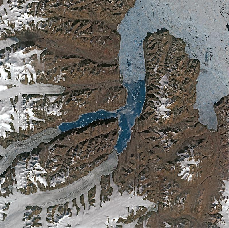 L'île d'Ellesmere vue par Spot 5. Crédits : CNES/dist. Spot Image.