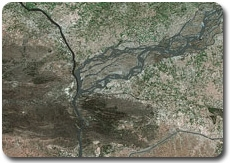 Confluent de l'Indus et de la rivière Kaboul avant les inondations, par Spot 5